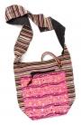 Жизнерадостная этническая индийская сумка хорошо гармонирует с...